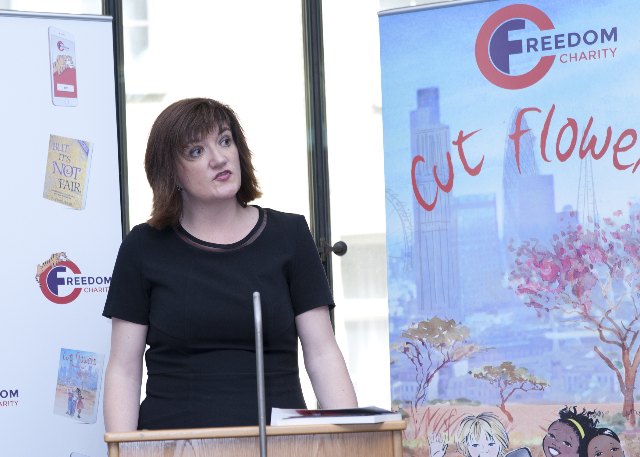 Nicky Morgan Mp, Cut flowers presentation